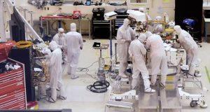 اب ناسا کے مریخی خلائی جہاز کی تیاری 24 گھنٹے براہِ راست دیکھیے