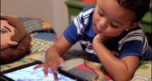 موبائل کے مضر اثرات پاکستانی بچوں میں بھی نمایاں ہونے لگے