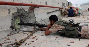 یمن میں فوجی کیمپ پر حملہ، 19 اہلکار ہلاک